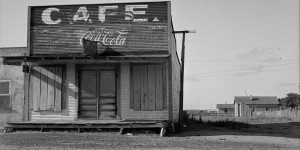 Abandoned cafe in Carey, Texas, Dorothea Lange, 1937