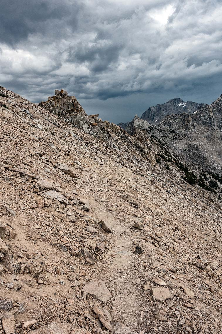Trail to Kearsarge Pass from the west